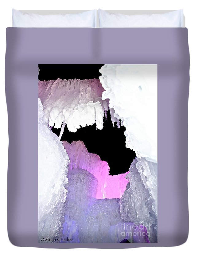 Ice Duvet Cover featuring the photograph Ice Fringe by Susan Herber