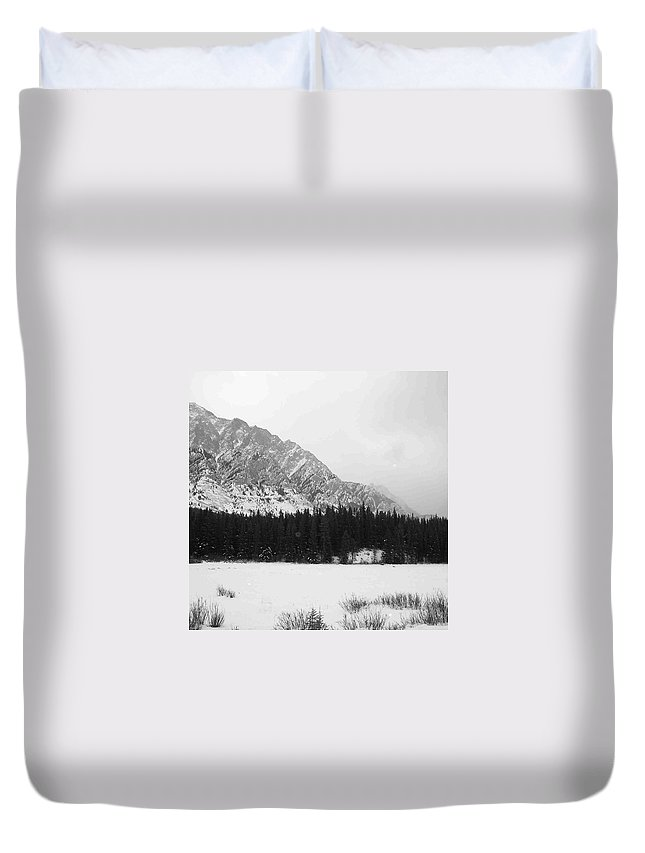 Canada Duvet Cover featuring the photograph Icey Landscape by Cheryl Miller
