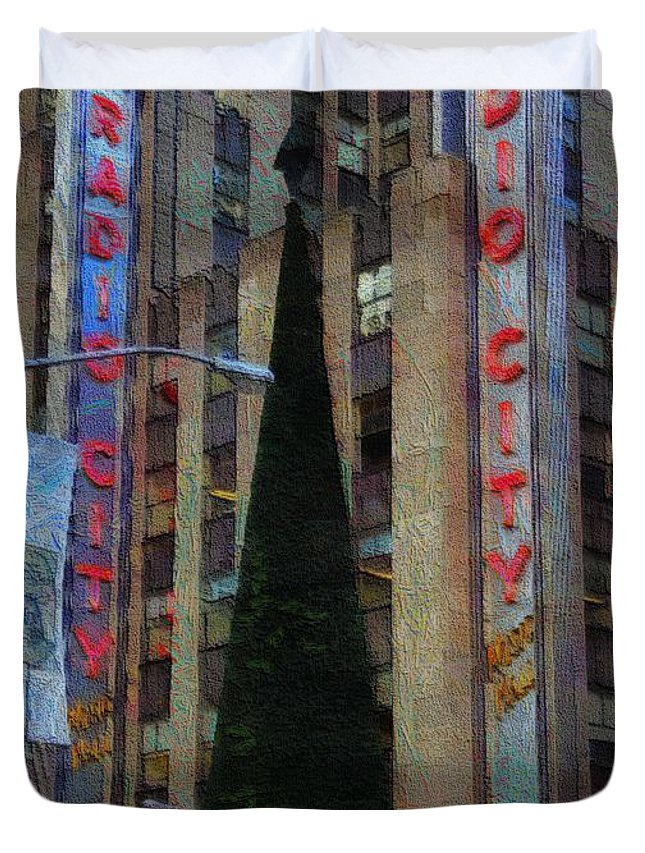 Radio City Music Hall Duvet Cover featuring the painting Iconic Radio City by Dan Sproul
