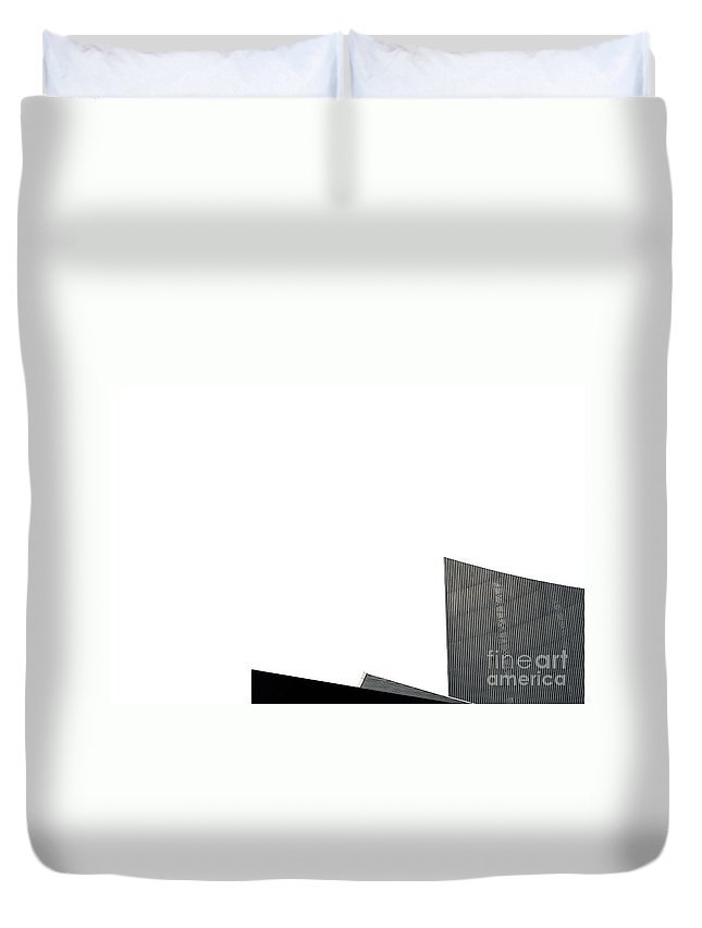 Daniel Libeskind Duvet Cover featuring the photograph Imperial War Museum North by Paul Adams