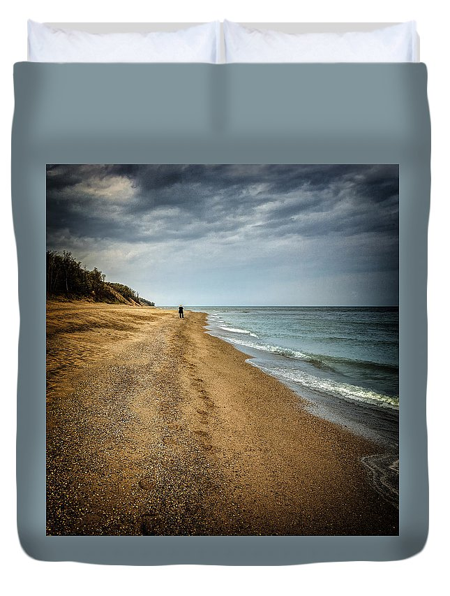 Indiana Dunes Duvet Cover featuring the photograph In All Things You Do Consider The End by Jeff Burton