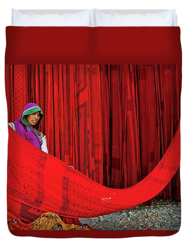 Expertise Duvet Cover featuring the photograph India, Rajasthan, Sari Factory by Tuul & Bruno Morandi