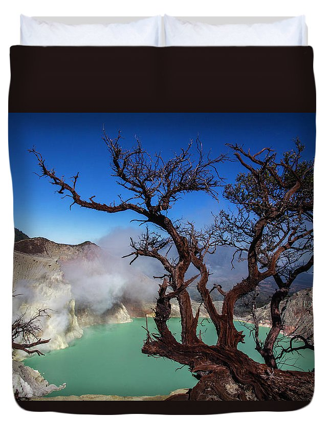 Crater Lake Duvet Cover featuring the photograph Indonesia, Java, Kawah Ijen by Andreas Kunz
