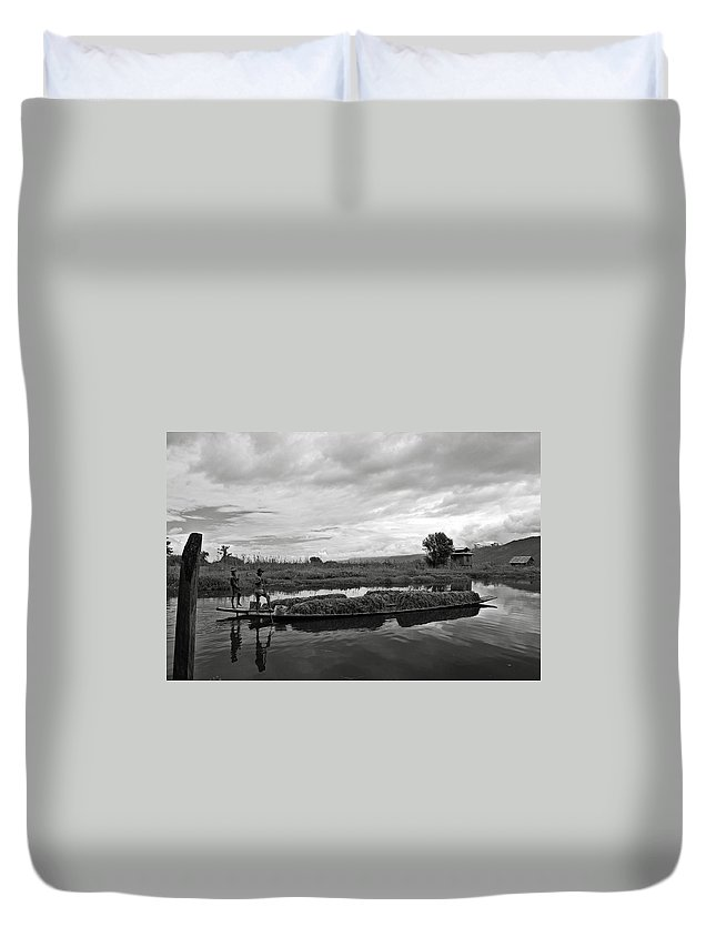 Ricardmn Duvet Cover featuring the photograph Inle Lake In Burma by RicardMN Photography