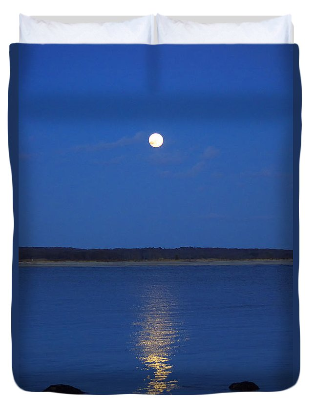 Moon Duvet Cover featuring the photograph Into Night by Joe Geraci