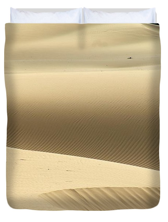 Abstract Duvet Cover featuring the photograph Island Desert Dunes by Brian Raggatt