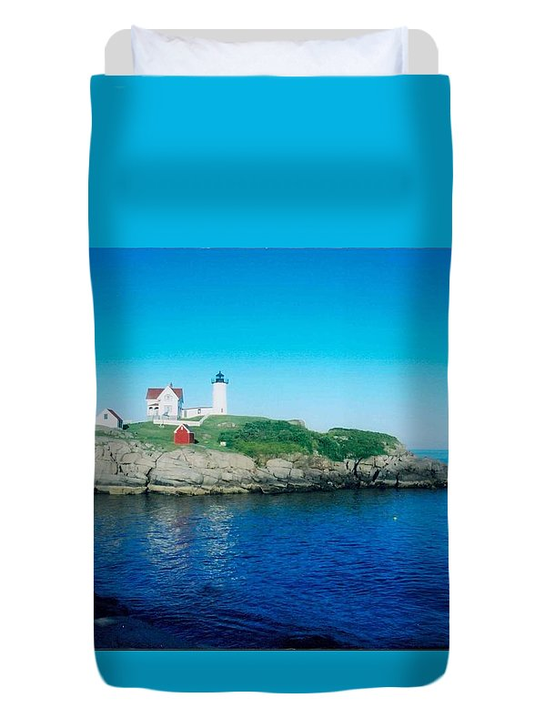 Lighthouse Duvet Cover featuring the photograph Island Lighthouse by Jeffery L Bowers