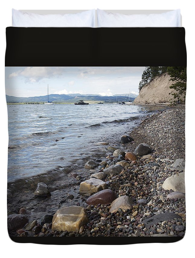 Lake Duvet Cover featuring the photograph Jackson Lake With Boats by Belinda Greb