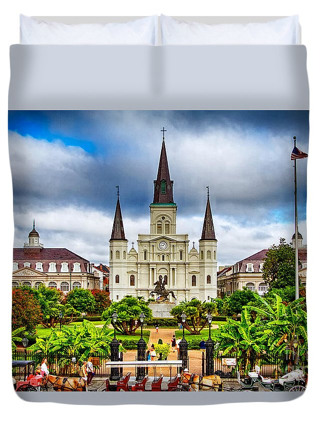 Cathedral Duvet Cover featuring the photograph Jackson Square New Orleans by Jarrod Erbe
