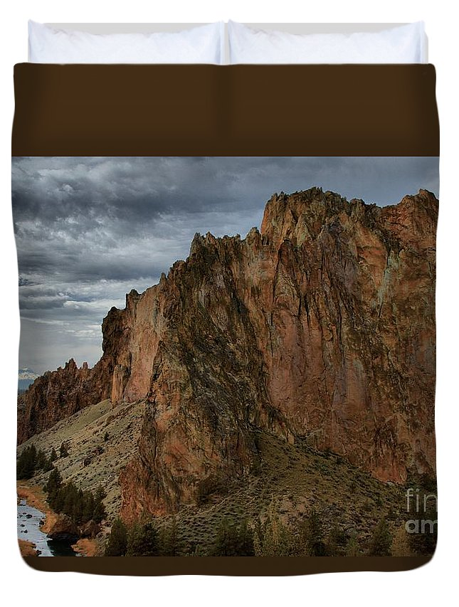 Smith Rock Duvet Cover featuring the photograph Jagged Peaks At Smith Rock by Adam Jewell