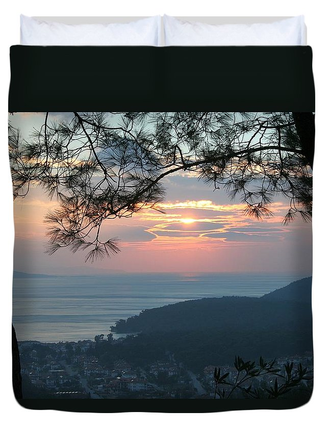 Sunset Duvet Cover featuring the photograph January Sunset by Tracey Harrington-Simpson