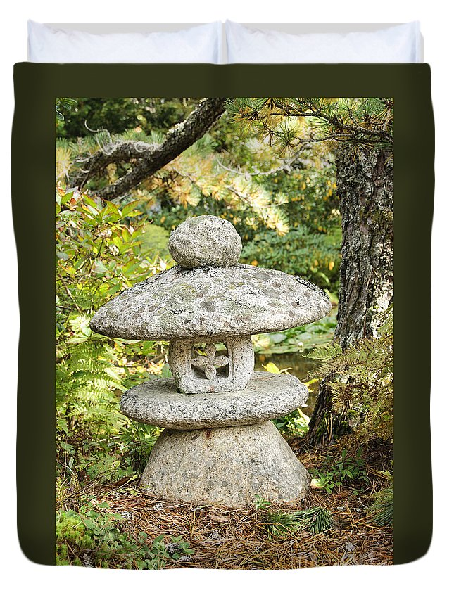 Garden Duvet Cover featuring the photograph Japanese Stone Lantern by Oscar Gutierrez