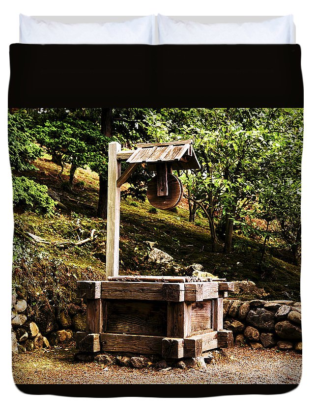 Japanese Tea Garden Well Duvet Cover featuring the photograph Japanese Tea Garden Well by Scott Hill