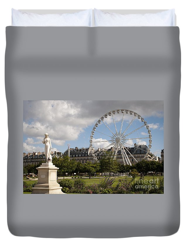 Europe Duvet Cover featuring the photograph Jardin Des Tuileries by Lana Enderle