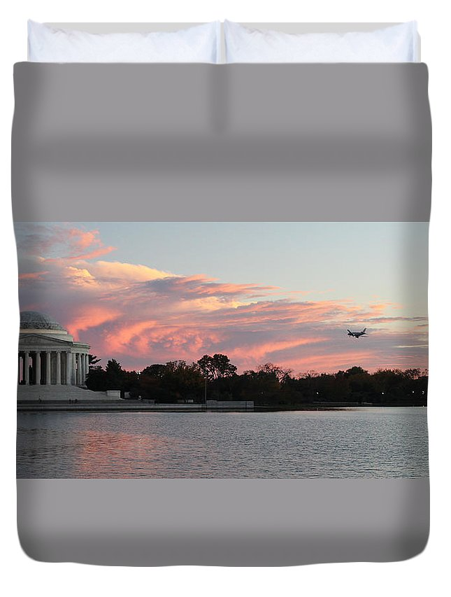 Tidal Basin Duvet Cover featuring the photograph Jefferson Landscape0201 by Carolyn Stagger Cokley