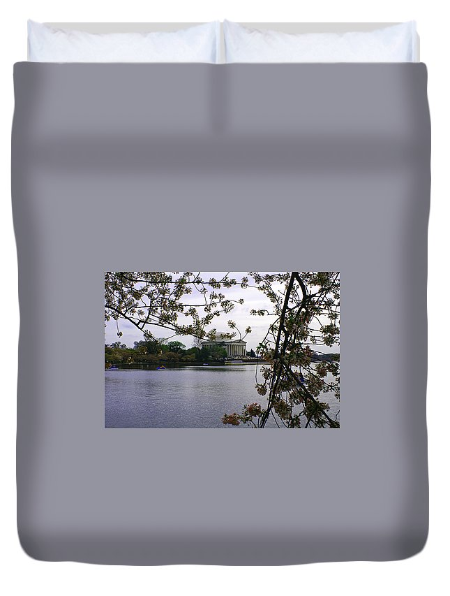 Jefferson Duvet Cover featuring the photograph Jefferson Through The Trees by Pablo Rosales