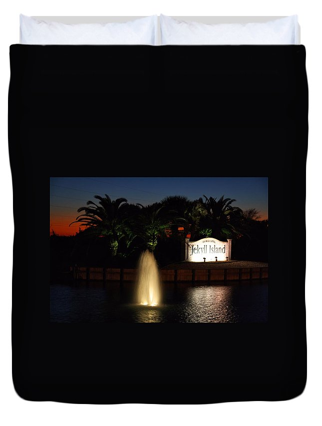 Jekyll Duvet Cover featuring the photograph Jekyll Entrance by Kathryn Meyer