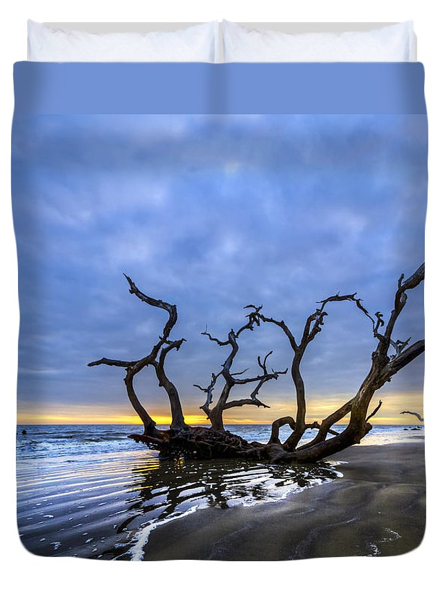 Clouds Duvet Cover featuring the photograph Jekyll Island Seascape by Debra and Dave Vanderlaan