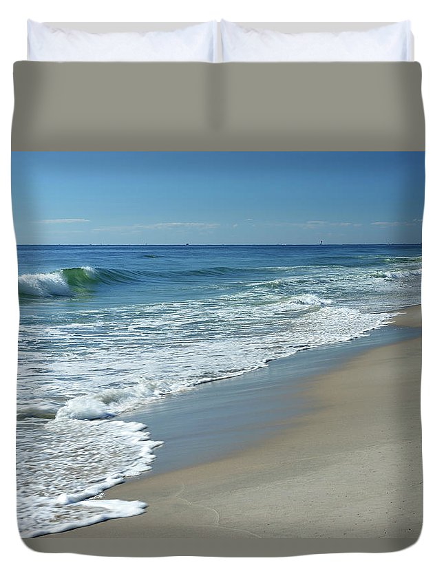 Water's Edge Duvet Cover featuring the photograph Jersey Shore Scenery by Aimin Tang