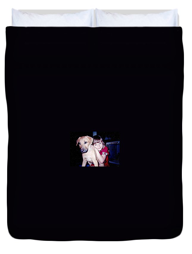 Duvet Cover featuring the photograph Jess And Idgy by Kelly Awad