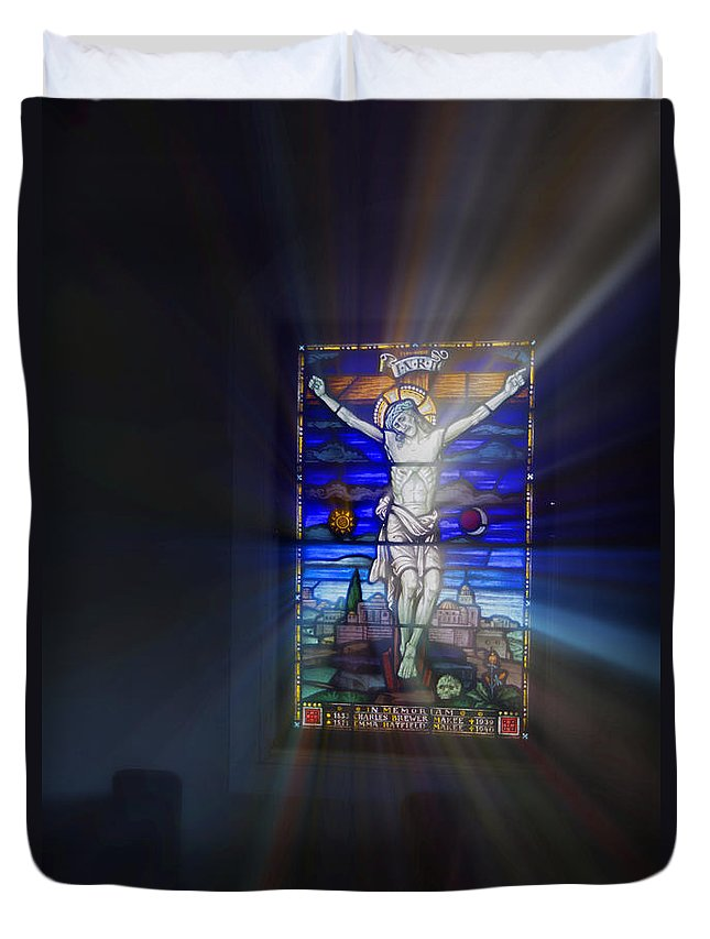 Stained Duvet Cover featuring the photograph Jesus Rays by Douglas Barnard