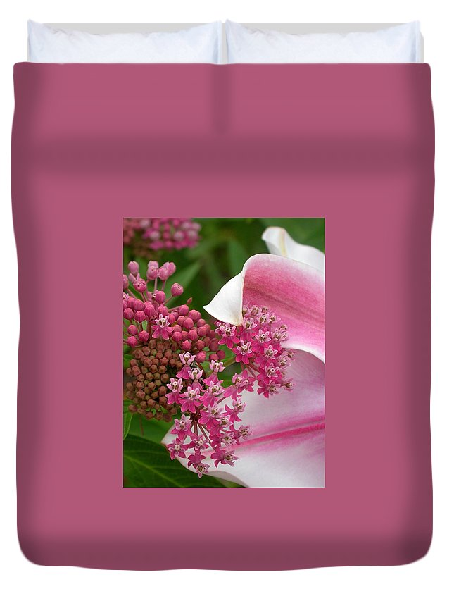 Swamp Milkweed Duvet Cover featuring the photograph Asclepias And Friend by Cynthia Wallentine