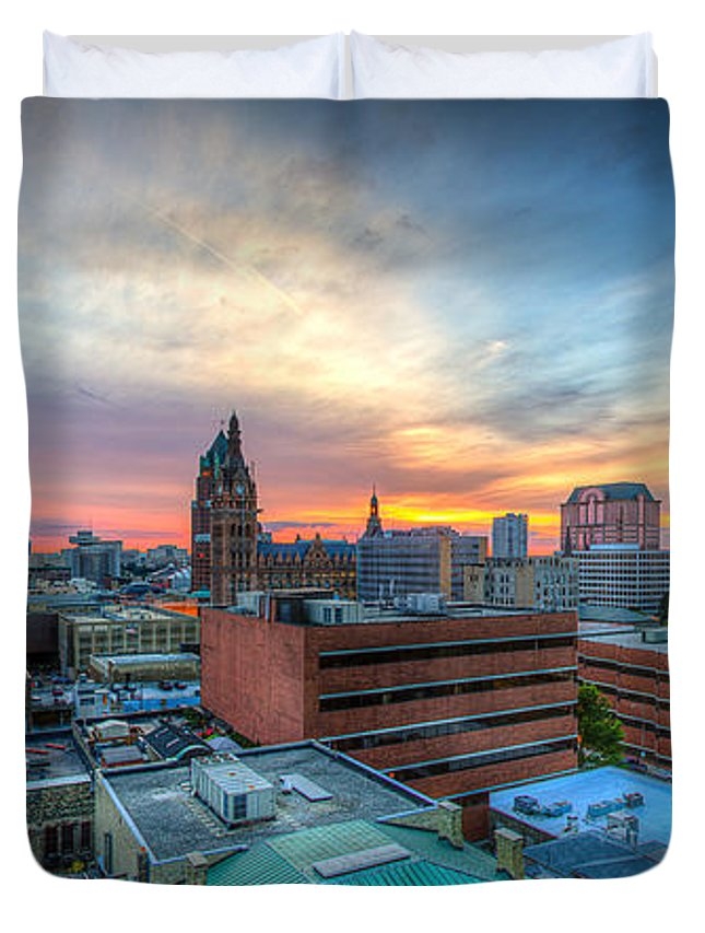 Bmo Harris Duvet Cover featuring the photograph Juneau Town Sunset by Andrew Slater