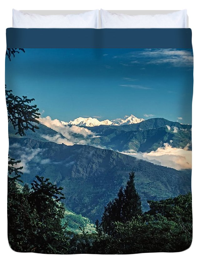 Darjeeling Duvet Cover featuring the photograph Kanchenjunga by Steve Harrington