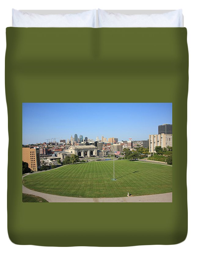 America Duvet Cover featuring the photograph Kansas City Skyline And Park by Frank Romeo