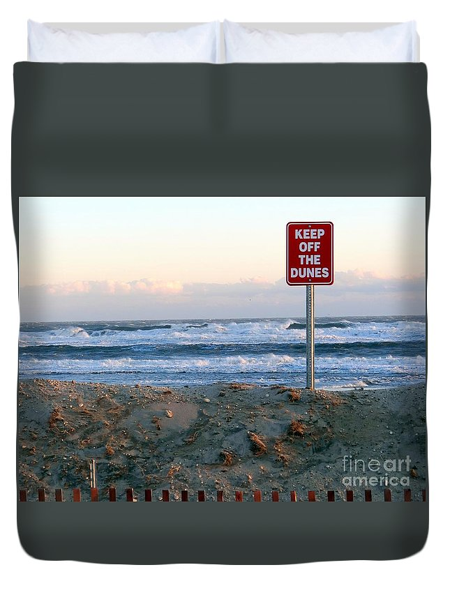 Beach Duvet Cover featuring the photograph Keep Off The Dunes by Ed Weidman