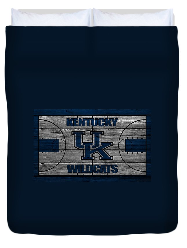 Wildcats Duvet Cover featuring the photograph Kentucky Wildcats by Joe Hamilton