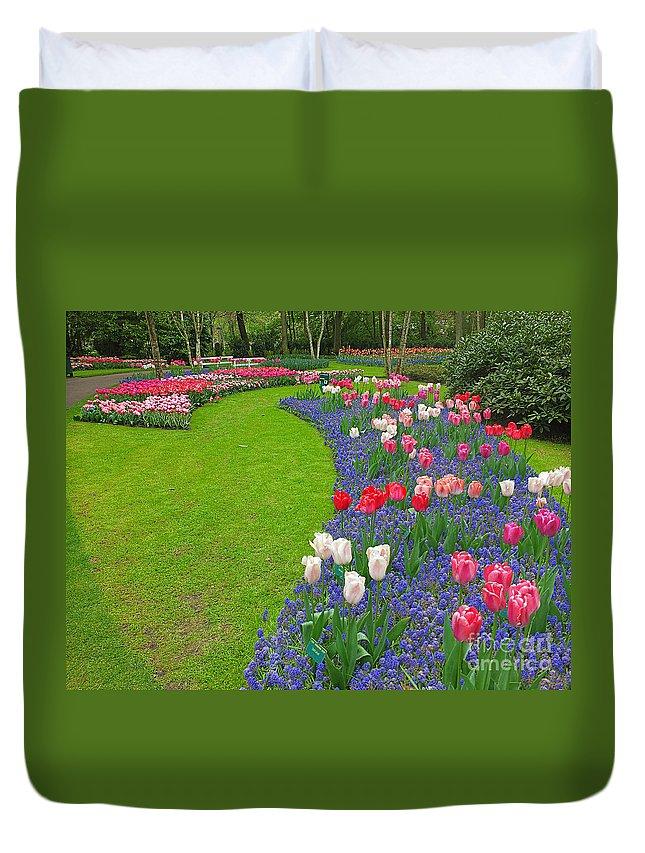 Keukenhof Gardens Duvet Cover featuring the photograph Keukenhof Gardens 52 by Mike Nellums