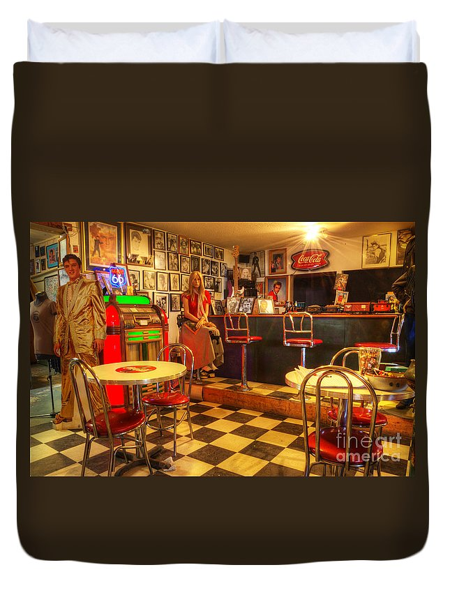 Tourist Spots Duvet Cover featuring the photograph Kickin On Route 66 by Bob Christopher