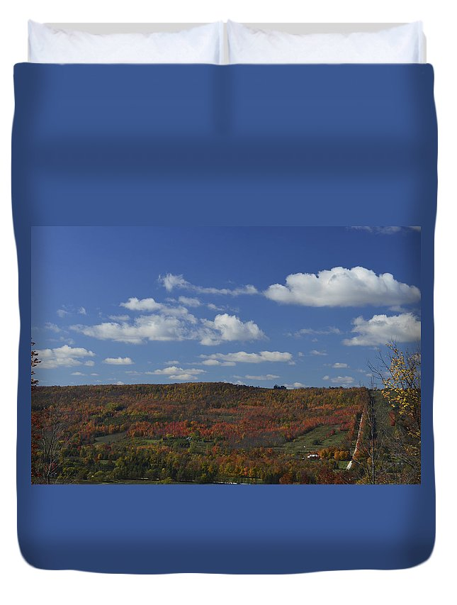 Landscape.fall.autumn Duvet Cover featuring the photograph Kimberly Valley by Katherine Townsend