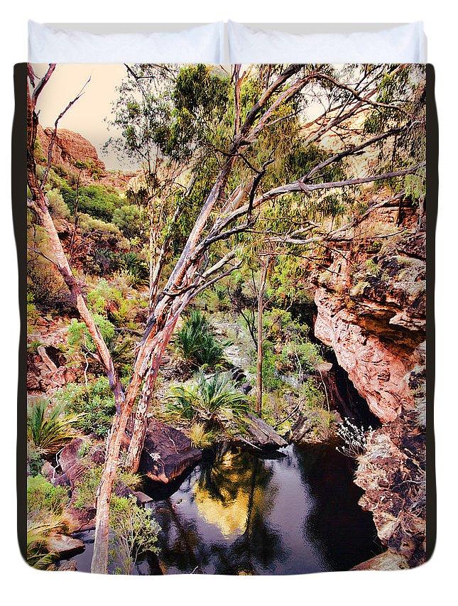 Kings Canyon Duvet Cover featuring the photograph Kings Canyon V9 by Douglas Barnard
