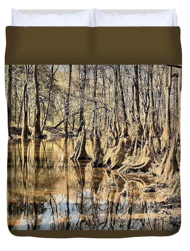 Congaree National Park Duvet Cover featuring the photograph Kneeling On The Edge by Adam Jewell