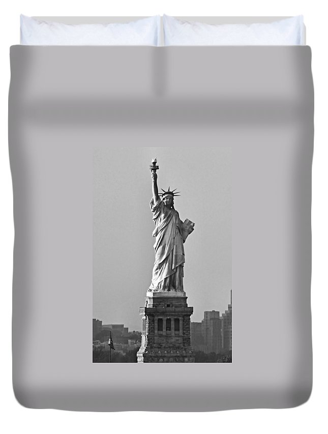 Statue Of Liberty Duvet Cover featuring the photograph Lady Liberty Black And White by Kristin Elmquist