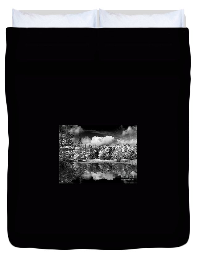Vernon Lake Duvet Cover featuring the photograph Lake In Black And White One by Ken Frischkorn