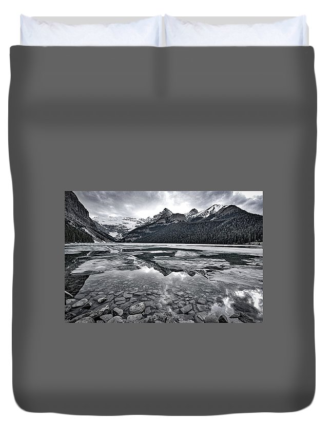 Lake Louise Duvet Cover featuring the photograph Lake Louise - Black And White #2 by Stuart Litoff