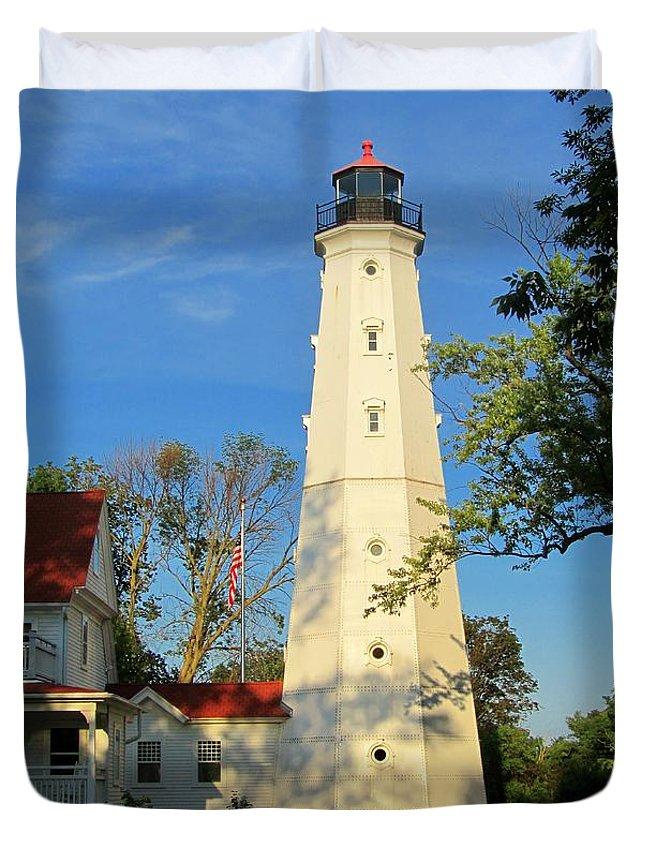 Lake Park Duvet Cover featuring the photograph Lake Park Light House 2 by Susan McMenamin