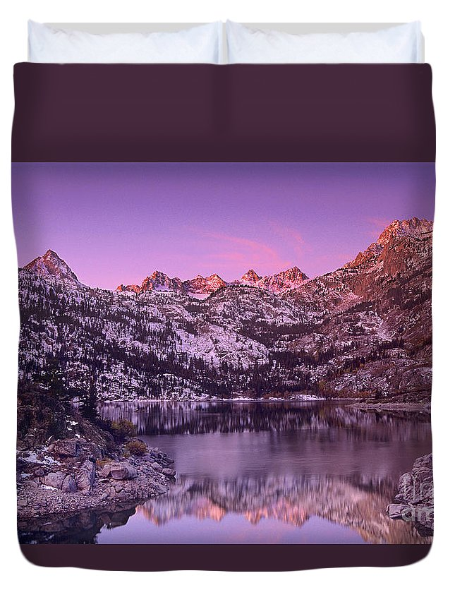 North America Duvet Cover featuring the photograph Lake Sabrina Sunrise Eastern Sierras California by Dave Welling