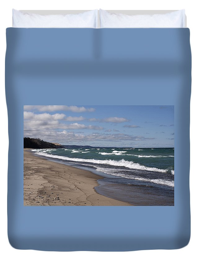 Beach Duvet Cover featuring the photograph Lake Superior Shoreline by Debby Richards