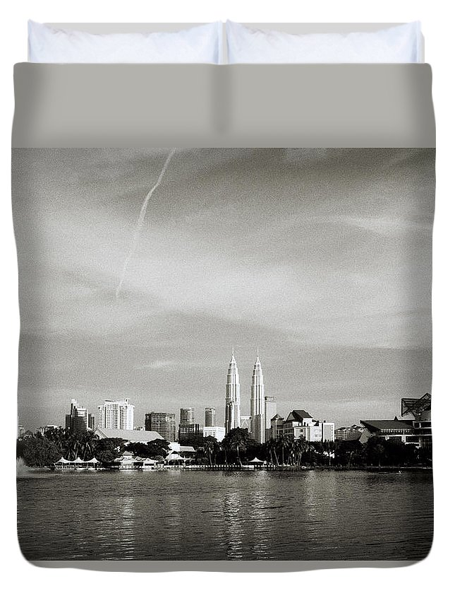Black And White Duvet Cover featuring the photograph Lake Titiwangsa by Shaun Higson