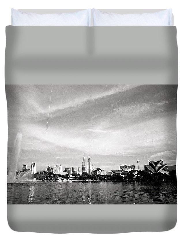 Black And White Duvet Cover featuring the photograph Lake Titiwangsa View by Shaun Higson