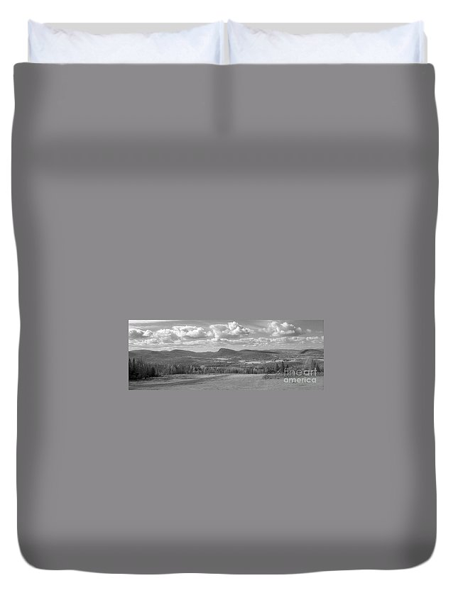 Lake Willoughby Duvet Cover featuring the photograph Lake Willoughby Vermont by Richard Rizzo