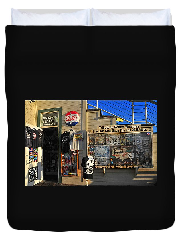Santa Monica Duvet Cover featuring the photograph Last Stop Shop by Lynn Bauer