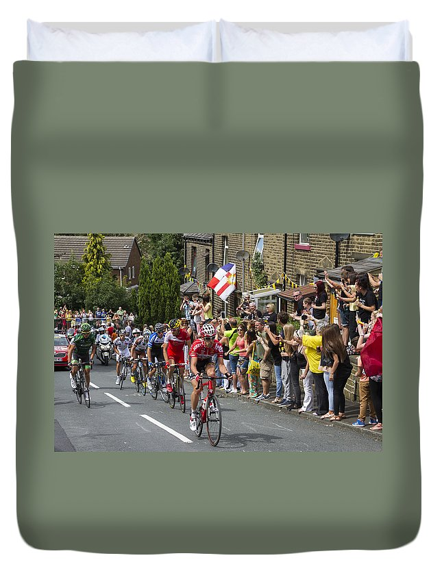 Tour De France Duvet Cover featuring the photograph Le Tour De France 2014 - 4 by Chris Smith