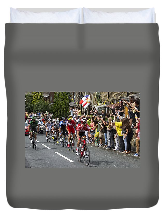 Tour De France Duvet Cover featuring the photograph Le Tour De France 2014 - 9 by Chris Smith