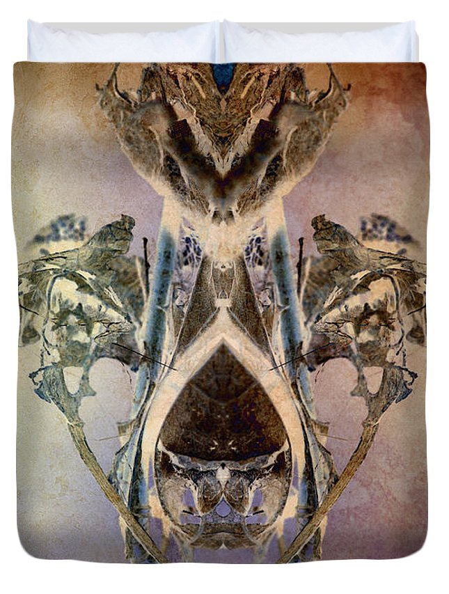 Spirit Duvet Cover featuring the photograph Leaf Spirit by WB Johnston