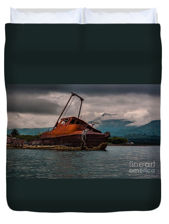 Nature Duvet Cover featuring the photograph Leaning Over by Steven Reed
